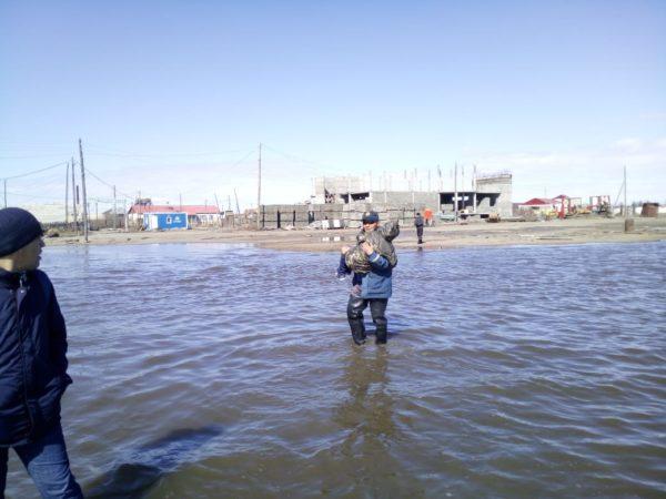 Пострадавшим от паводка в Якутии требуется помощь