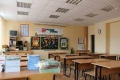 Заставившую ученика чистить зубы на уроке учительницу из Приморья уволили