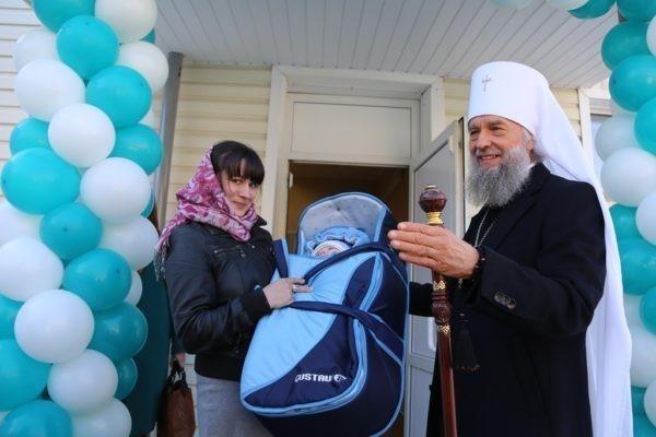 Церковь проведет всероссийский сбор средств на помощь женщинам и детям
