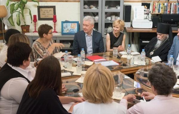 Мэр Москвы выступил за открытый доступ родственников пациентов в реанимации