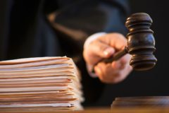 Кубанский судья получил предупреждение за предложение стерилизовать многодетную мать