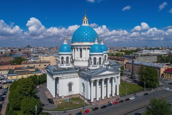 Глава Русской Церкви освятит в Петербурге два храма