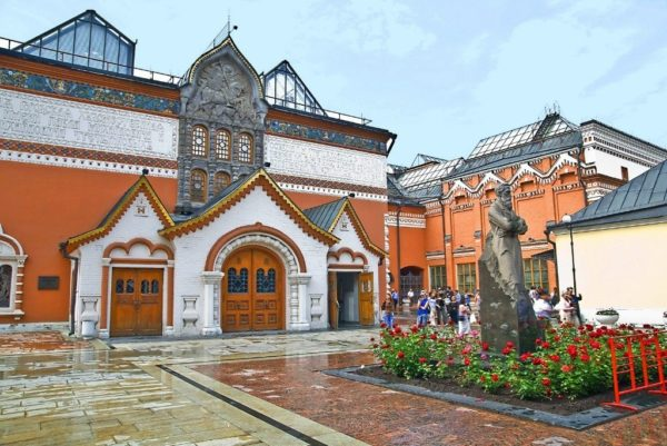 Минкульт и Третьяковская галерея призвали ужесточить наказание за порчу произведений искусства