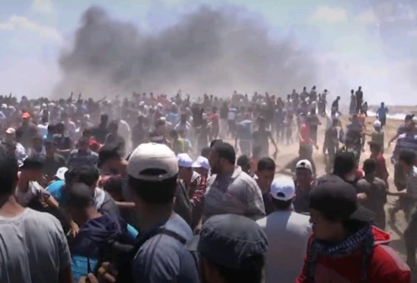 В столкновениях на границе с Израилем погибли свыше 60 палестинцев