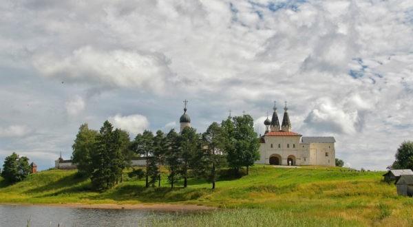 Патриарх Кирилл надеется, что в Ферапонтовом монастыре возродится монашеская жизнь
