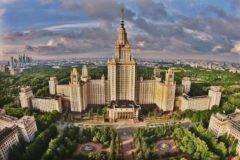 Ректор МГУ заступился за студента, испортившего указатель к ЧМ-2018