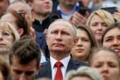Жилье, бензин и права пациентов: на прямую линию с Путиным поступило 1,5 млн вопросов