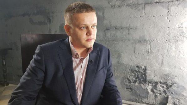 Потерявший семью в «Зимней вишне» Игорь Востриков победил на предвыборах «Единой России»