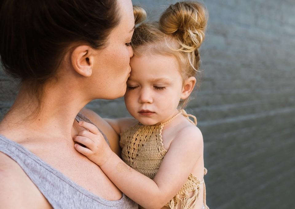 прекрасные стихи ко дню матери
