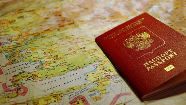 Пошлины на загранпаспорта и водительские удостоверения вырастут