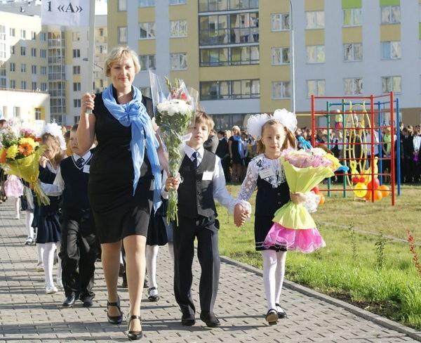 В половине российских школ нехватка учителей – опрос