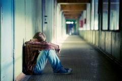 Сотрудники реабилитационного центра в Казани издевались над подростком-подопечным – СК