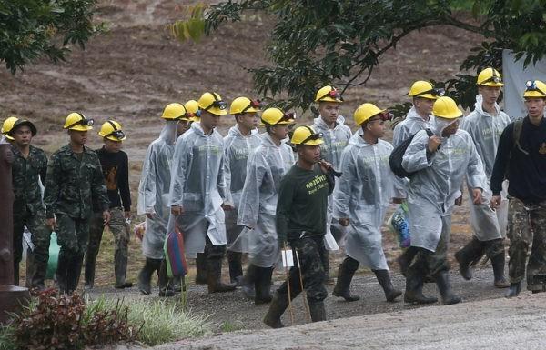 Последний рывок: В Таиланде идет к концу спасательная операция в затопленной пещере