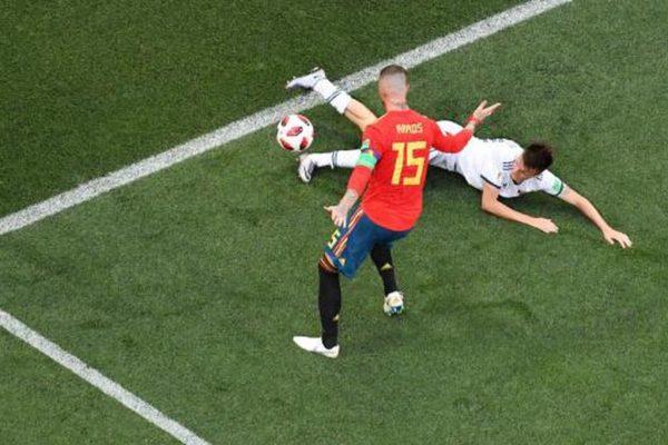 Россия вышла в четвертьфинал чемпионата мира, обыграв Испанию