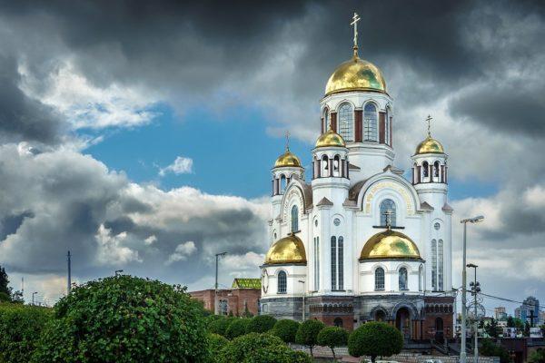 Патриарх Кирилл возглавит ночной крестный ход в память о семье Николая II