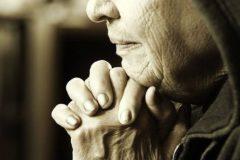 «День и ночь молиться буду, пусть дурочкой станет, только бы была жива!»