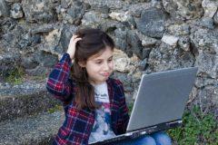 Отдавайте предпочтение детской площадке, а не детскому манежу – какие игры помогают вырастить творческого ребенка