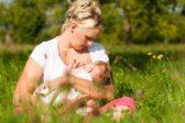 Кормить грудью – право или выбор, и чем мешает реклама смесей и пустышек