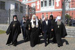 Владимир Путин посетил службу Патриарха Кирилла на Валааме