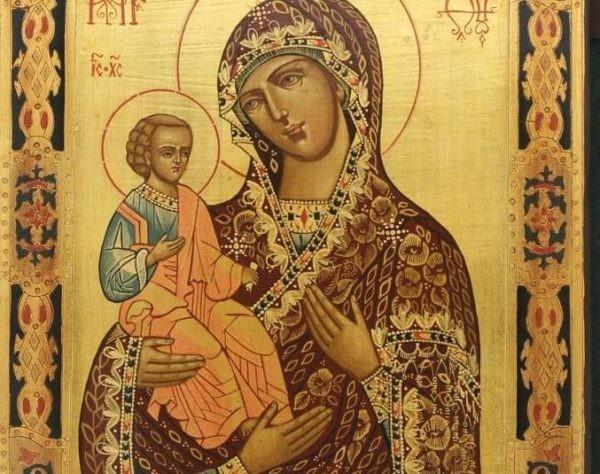Церковь отмечает день памяти иконы Божией Матери «Троеручицы»