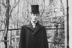 «Жил поэт Гумилев, писал стихи…»