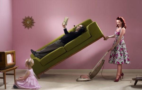 «Мужчине тяжело, не обижайтесь» – убеждают женщину, как будто муж – ее ребенок