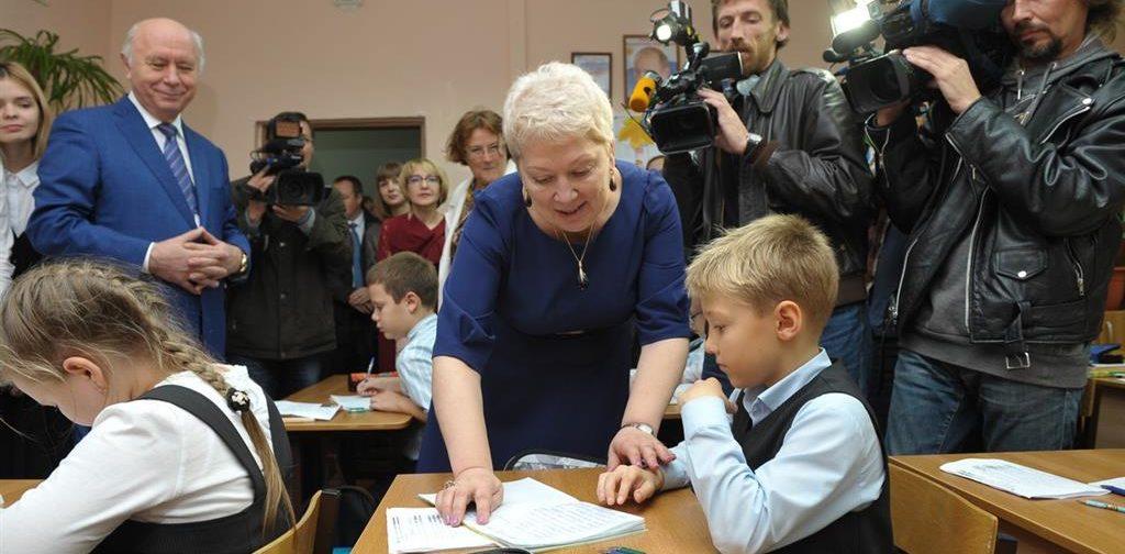 «Наша начальная школа лучшая в мире» — 5 тезисов об образовании от Ольги Васильевой накануне учебного года