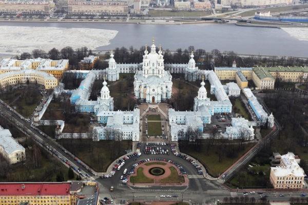 Смольный собор соберет предметы, связанные с историей православия
