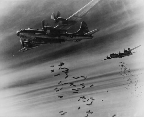 https://www.pravmir.ru/wp-content/uploads/2018/08/B-29_bombing.jpg