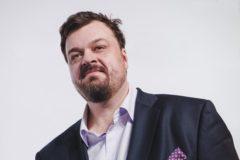 Василий Уткин пожертвовал миллион рублей на поддержку людей с аутизмом
