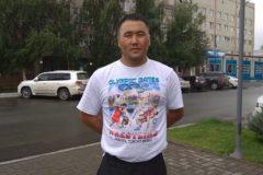 Казахский тренер спас 48 пассажиров из горящего автобуса на Алтае
