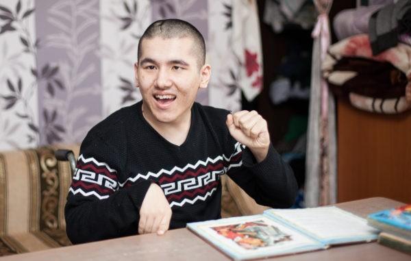 9 лет Боря бился в судорогах эпилепсии каждый день