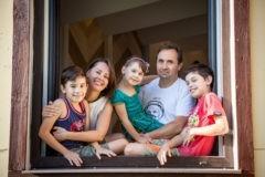 Ушел в декрет и исполнил мечту – как папа сидел с детьми и получал новую профессию
