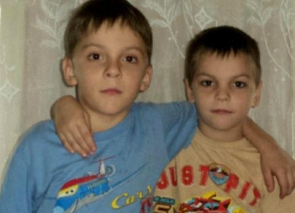 В Омской области братья-школьники спасли из огня двух детей