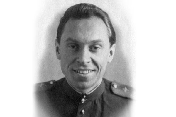 Скончался маскировавший в блокадном Ленинграде соборы военный альпинист Михаил Бобров