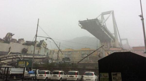Десятки людей погибли при обрушения моста близ итальянской  Генуи