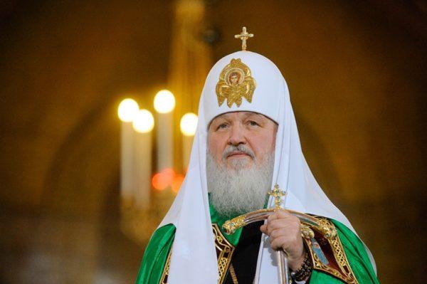 Патриарх Кирилл помолился об упокоении Караченцова