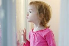 Жители России призывают остановить разработку закона об ограничении числа приемных детей в семьях