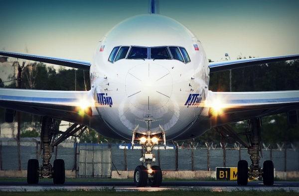 Авиакомпания заменила самолет ради пассажира на носилках