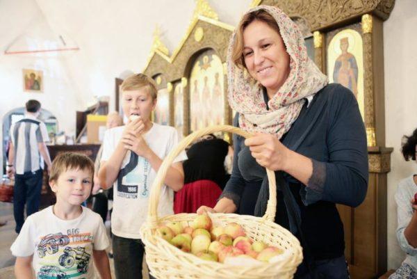 Освятите себя, как яблоки Божии, как урожай для Христа
