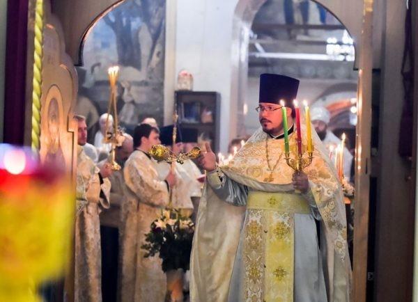 Вологодский митрополит призвал помочь многодетной семье умершего священника