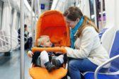 Минтранс отказался от идеи запрета детских колясок в метро
