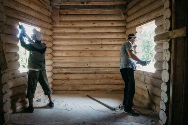 Православная молодежь помогает строить приволжский храм в знак памяти сгоревшей церкви в Кондопоге