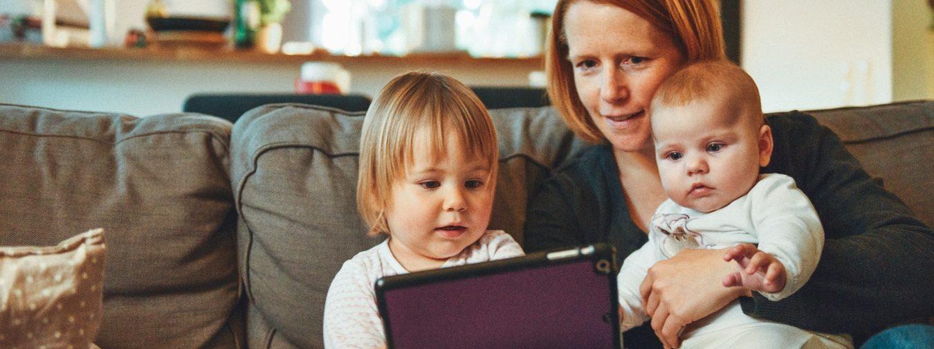 «Добавьте ребенка во френды и болтайте с ним во всех соцсетях» – 5 правил детской безопасности в интернете