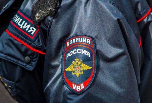 Самарский полицейский вынес из горящего дома женщину-инвалида