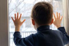 Минпросвещения намерено ограничить число детей в приемных семьях до трех