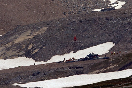 В Швейцарии потерпел крушение самолет, 20 человек погибли