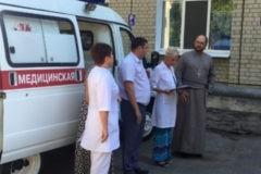Глава детского хосписа Петербурга передал машину «скорой помощи» саратовской горбольнице
