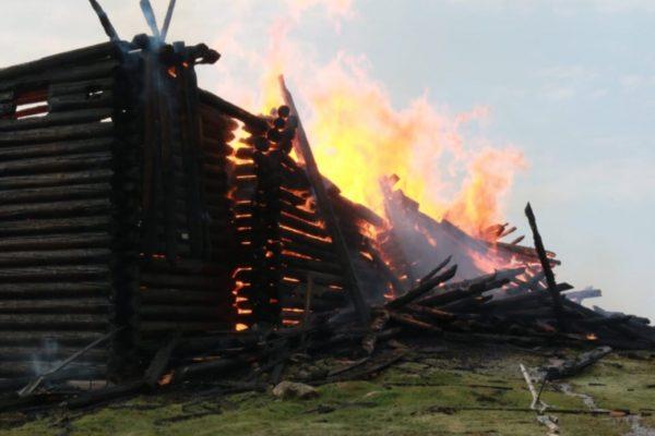 В поджоге Успенской церкви подозревают подростка-сатаниста – СМИ
