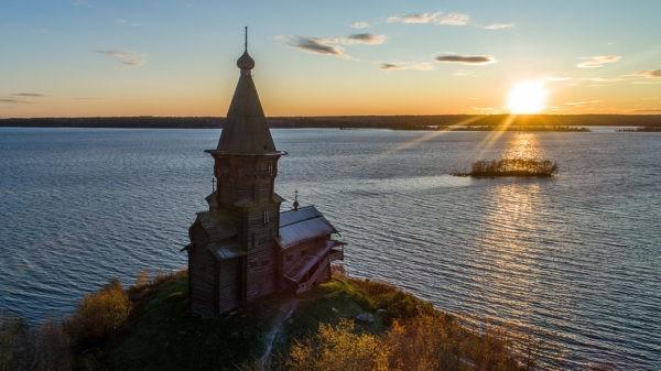 В Карелии начался сбор средств на восстановление сгоревшей Успенской церкви